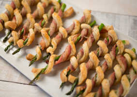 Bacon wrapped asparagus with puff pastry