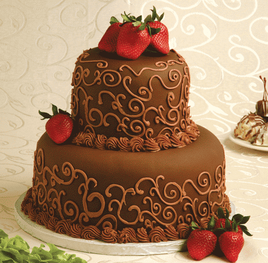 Chocolate w/ Buttercream detail & Strawberries